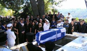 Κωνσταντίνος Μητσοτάκης: Με μπαλωθιές, ριζίτικο και μαντινάδα, στην αγκαλιά της Κρήτης, δίπλα στην Μαρίκα του