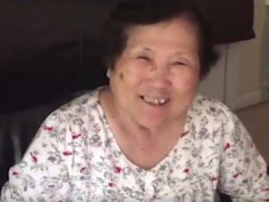 Συγκινητικό! Της ανακοινώνει καθημερινά ότι θα γίνει γιαγιά γιατί έχει Αλτσχάιμερ [vid]