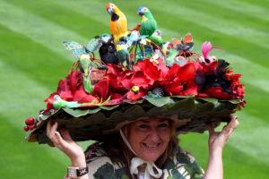 Ascot: Ξεπέρασαν τον εαυτό τους φέτος στο φεστιβάλ κακόγουστων καπέλων [pics]