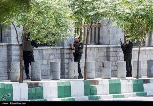Οι τρομοκράτες που χτύπησαν το Ιράν συμμετείχαν σε επιχειρήσεις σε Ράκα και Μοσούλη
