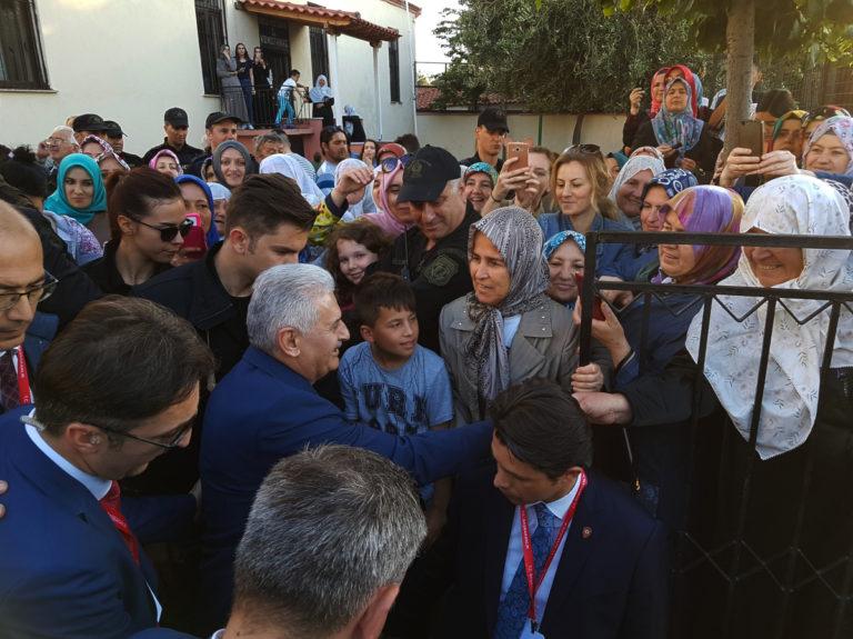 Πλήθος κόσμου υποδέχτηκε τον Γιλντιρίμ σε τζαμί της Κομοτηνής! Ξαφνική αλλαγή στο πρόγραμμά του   Newsit.gr