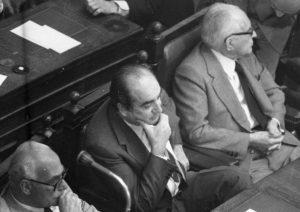 Κωνσταντίνος Μητσοτάκης: Η βεντέτα μισού αιώνα που έληξε στην κηδεία!