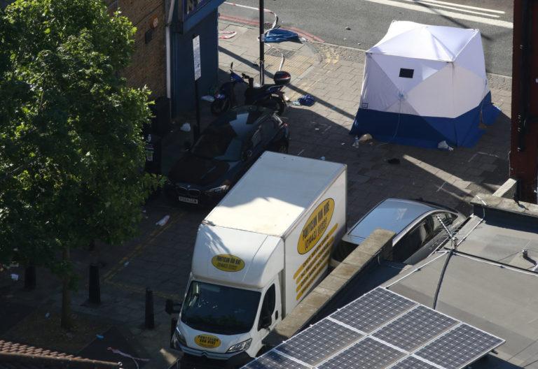 Τρόμος ξανά στο Λονδίνο! Βαν έπεσε πάνω σε πεζούς – «Θέλω να σκοτώσω όλους τους Μουσουλμάνους» φώναζε ο δράστης   Newsit.gr