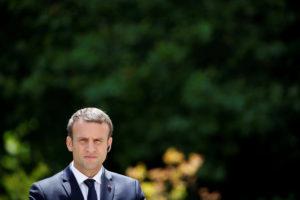 Γαλλία – Βουλευτικές εκλογές: Άνοιξαν οι κάλπες, «καλπάζει» ο Μακρόν