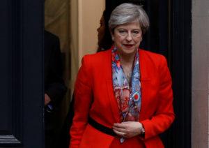 Αγγλία: Mayday για το σχηματισμό κυβέρνησης – Η Μέι στη Βασίλισσα