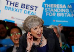 """Αγγλία – Εκλογές: Δημοσκόπηση """"φωτιά"""" για την Μέι!"""