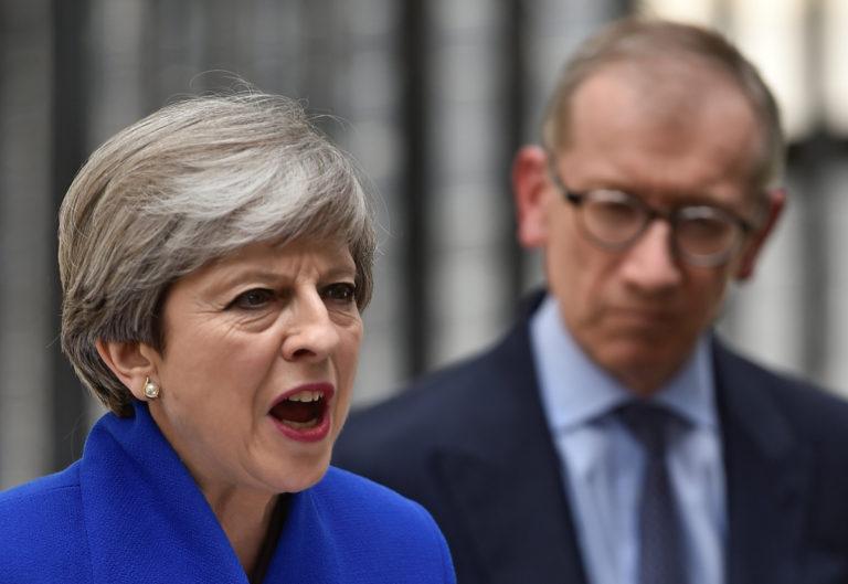 Αγγλία: Πολύ σκληρή για να «πεθάνει» η Μέι – Κυβέρνηση συνεργασίας και ολοταχώς για Brexit | Newsit.gr