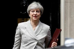 BBC: «Κλεισμένη» η συμφωνία για την κυβέρνηση της Μέι!