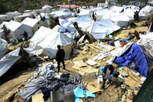 Λέσβος: Αποχή των εργαζομένων στη Μόρια