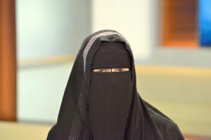Νορβηγία: Έρχεται απαγόρευση για νικάμπ και μπούρκα σε σχολεία και πανεπιστήμια