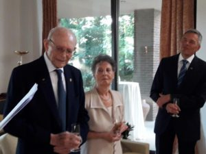 Θεσσαλονίκη: Έκλεισε τα 90 επιζών του Ολοκαυτώματος και γιόρτασε με τον Γερμανό πρόξενο!