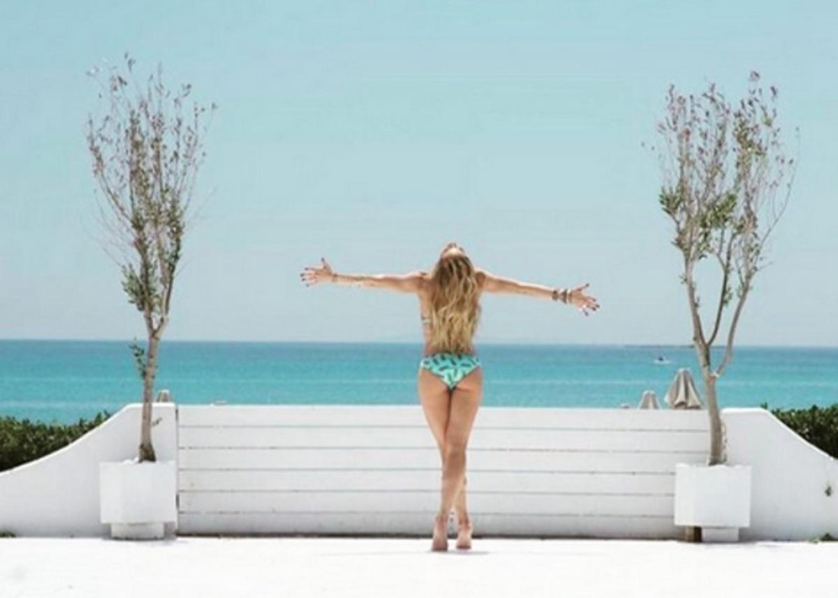 Ντορέττα Παπαδημητρίου: Γιορτάζει την αλλαγή του καιρού με χορευτικό   Newsit.gr