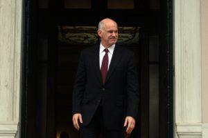 Η κυβέρνηση -και όχι το μνημόνιο – μειώνει τους μισθούς
