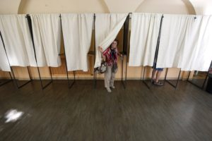 Γαλλία – Βουλευτικές εκλογές Live: Χαμηλό το ποσοστό συμμετοχής