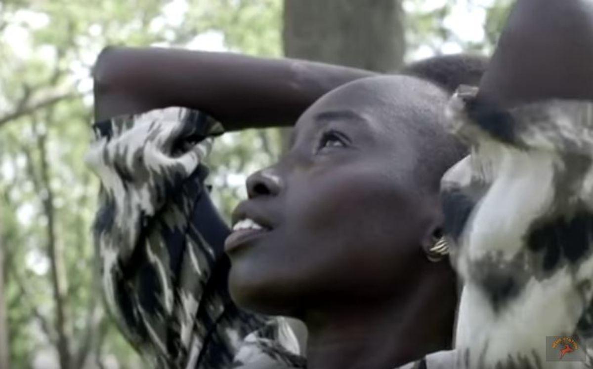 Πώς μια μετανάστρια από το Νότιο Σουδάν έγινε μοντέλο [vid]