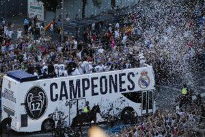 «Κάηκε» η Μαδρίτη! Υποδοχή ηρώων στους παίκτες της Ρεάλ [pics,vids]
