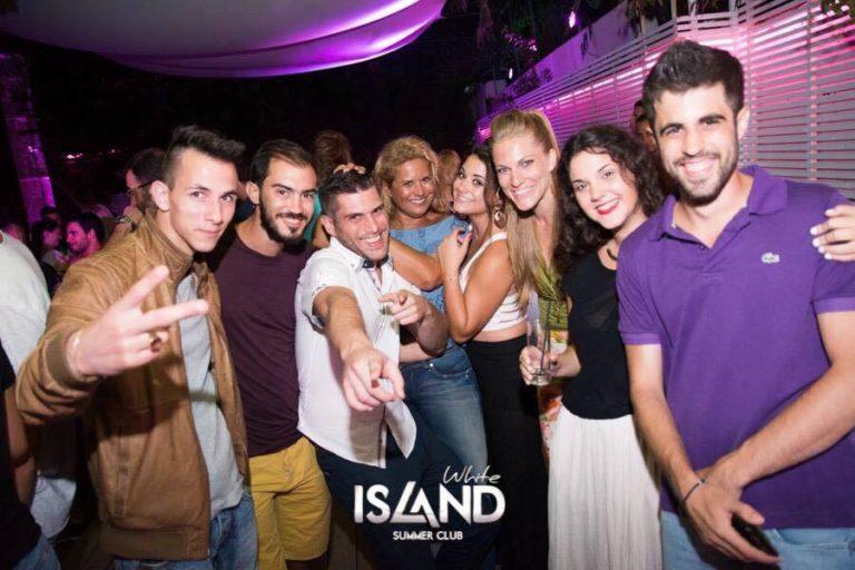 """Σάρα Εσκενάζυ: Όταν η """"μαχήτρια"""" του Survivor έκανε διακοπές στην Ηλεία! [pics]   Newsit.gr"""