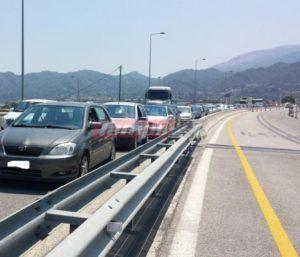 Αλαλούμ και αποκλεισμένοι οδηγοί λόγω της πορείας στη γέφυρα Ρίου – Αντιρρίου