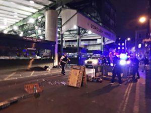 Λονδίνο: 50 σφαίρες για τους τρομοκράτες – Η στιγμή της εκτέλεσης μπροστά στα μάτια πολιτών
