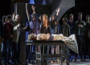 Θύελλα στις ΗΠΑ! «Δολοφονείται» ο Τραμπ σε παράσταση του Σαίξπηρ!