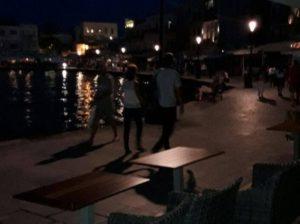 Χανιά: Απέκλεισαν την πολεοδομία – Στα κάγκελα οι επιχειρηματίες της Σούδας!
