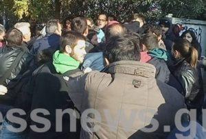 Θεσσαλονίκη: Επεισόδια και ξύλο – Έδιωξαν μέλη του ΣΥΡΙΖΑ από την πολυτεχνική σχολή  [pics, vids]