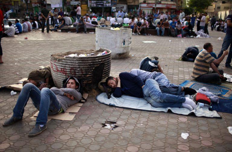Αίγυπτος: Παραμένουν στην πλατεία Ταχρίρ οι διαδηλωτές   Newsit.gr