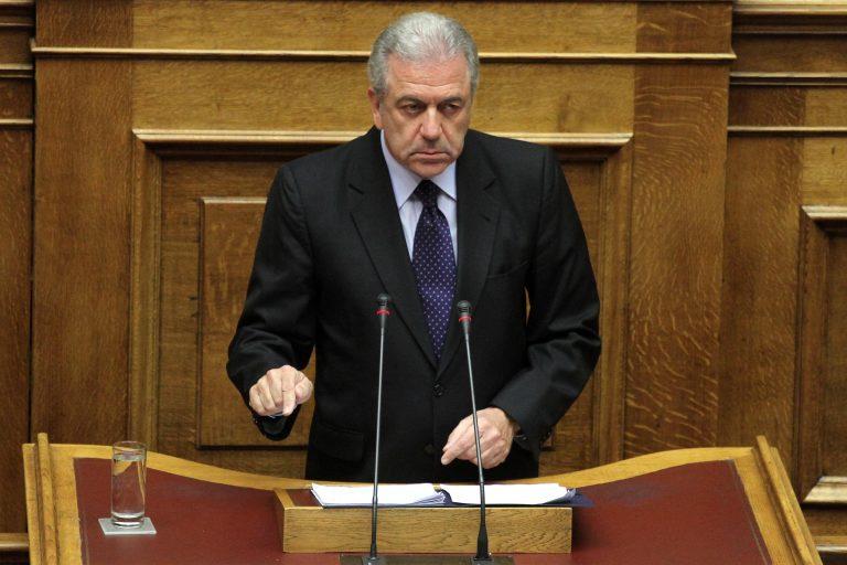 Δραματικές μειώσεις παντού στην Άμυνα, εκτός από τη θητεία!   Newsit.gr