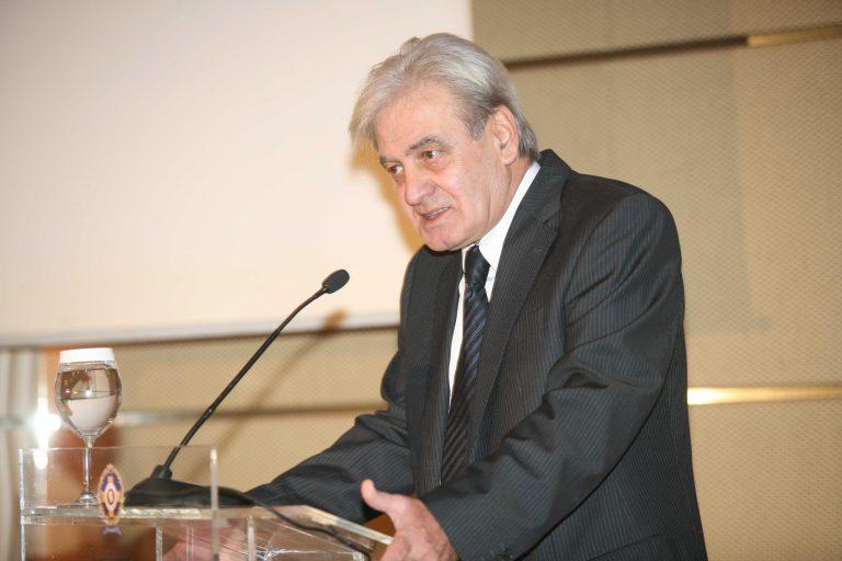 Την Τρίτη η κηδεία του Νίκου Απέργη | Newsit.gr