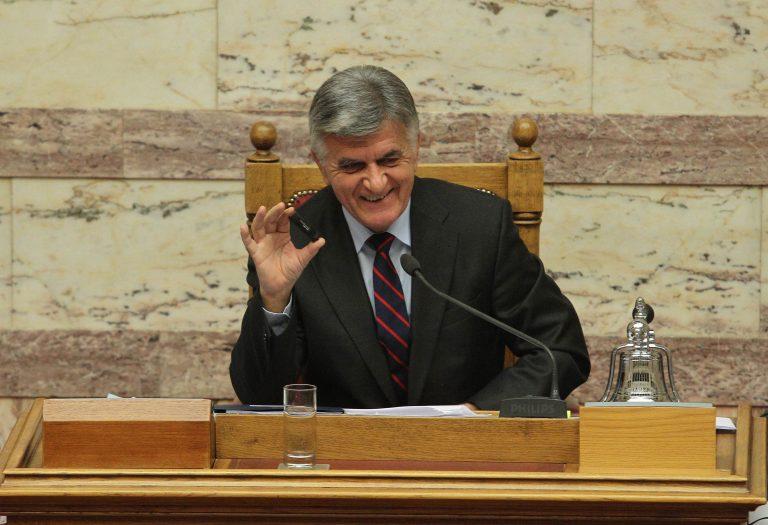 Πρόταση Πετσάλνικου για τις καταθέσεις πολιτικών στην Ελβετία   Newsit.gr