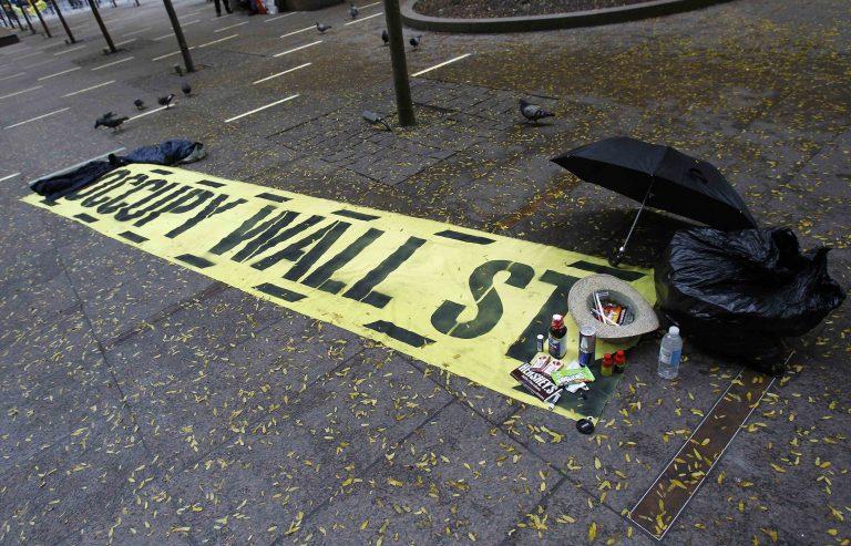 Διώχνουν τους αγανακτισμένους από τις πλατείες | Newsit.gr