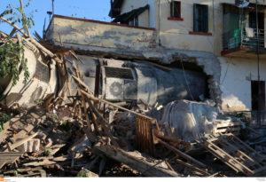 Εκτροχιασμός τρένου στη Θεσσαλονίκη: Ανακοίνωση του υπ. Υγείας για τους νεκρούς και τους τραυματίες