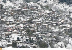 Ήπειρος: Χιόνια και τσουχτερό κρύο – Η άνοιξη έγινε χειμώνας στο Μέτσοβο!