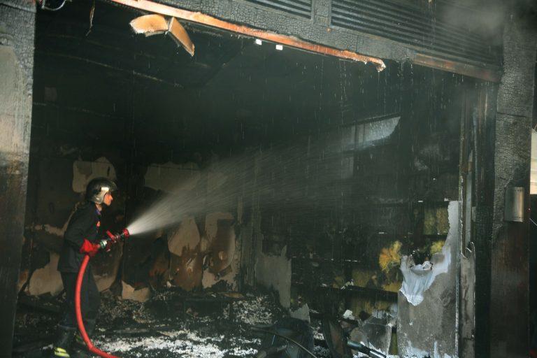 Πάτρα: Ψησταριά τυλίχτηκε στις φλόγες | Newsit.gr