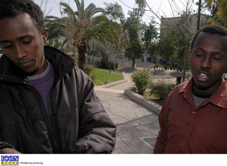 Σαντορίνη: Πόσο εύκολο είναι 22 Σομαλοί, να πείσουν για Ιταλοί; | Newsit.gr