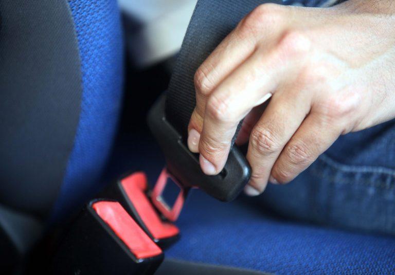 Ηράκλειο: Τι λέτε να έβαλε στο κάθισμα του συνοδηγού για να πάει βόλτα; | Newsit.gr