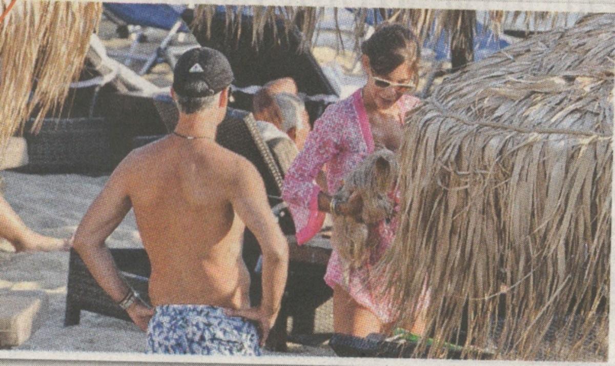 Άρης Σπηλιωτόπουλος: Απολαμβάνει τα μπάνια του στη Μύκονο!  Φωτογραφίες | Newsit.gr