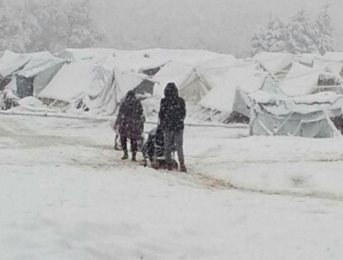 Καιρός: Ολοκληρώθηκε η μεταφορά των προσφύγων από την Πέτρα Ολύμπου [pics]   Newsit.gr
