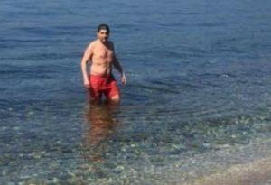 Κρήτη: Βούτηξε στην παγωμένη θάλασσα ο Λευτέρης Αυγενάκης – Η ανάρτησή του στο διαδίκτυο [pic]