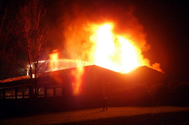 Θεσσαλονίκη: Φωτιά σε αποθήκη με είδη σπιτιού!   Newsit.gr
