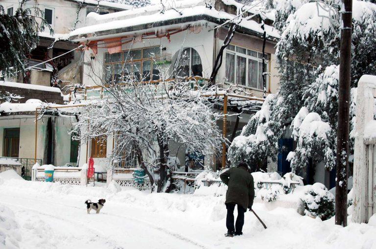 Κρήτη: Συνεχίζεται η »μάχη» με τον χιονιά – Απεγκλωβίστηκαν 6 άτομα από αυτοκίνητα!   Newsit.gr
