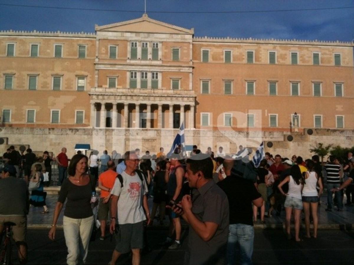 Για 18η μέρα οι Αγανακτισμένοι στο Σύνταγμα   Newsit.gr