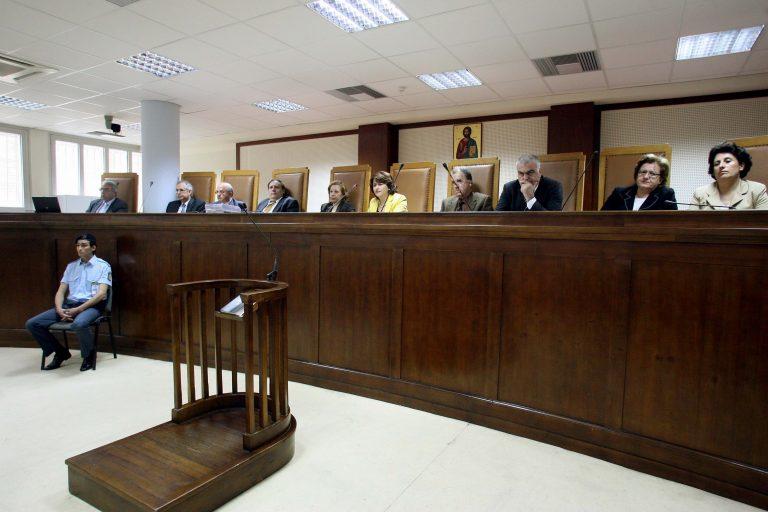 Ρόδος: Ισόβια κάθειρξη σε τρία άτομα για διακίνηση ναρκωτικών | Newsit.gr