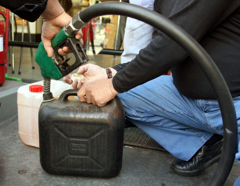Λαμία: Λαθρεμπόριο καυσίμων από οδηγό βυτιοφόρου! | Newsit.gr