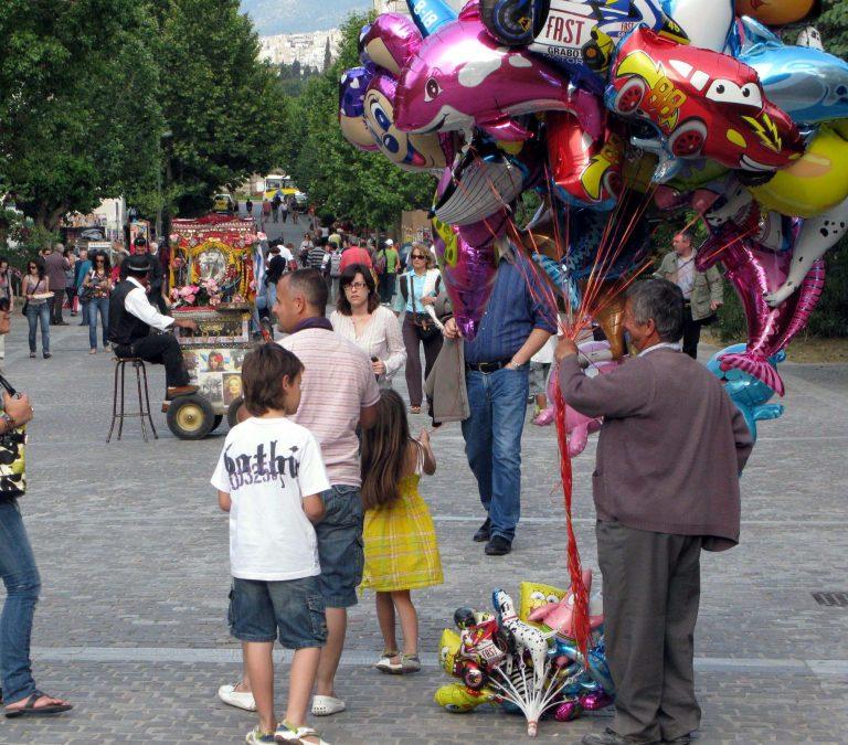 Ρέθυμνο: Πήγαν να ληστέψουν μεροκαματιάρη, που πουλούσε μπαλόνια! | Newsit.gr