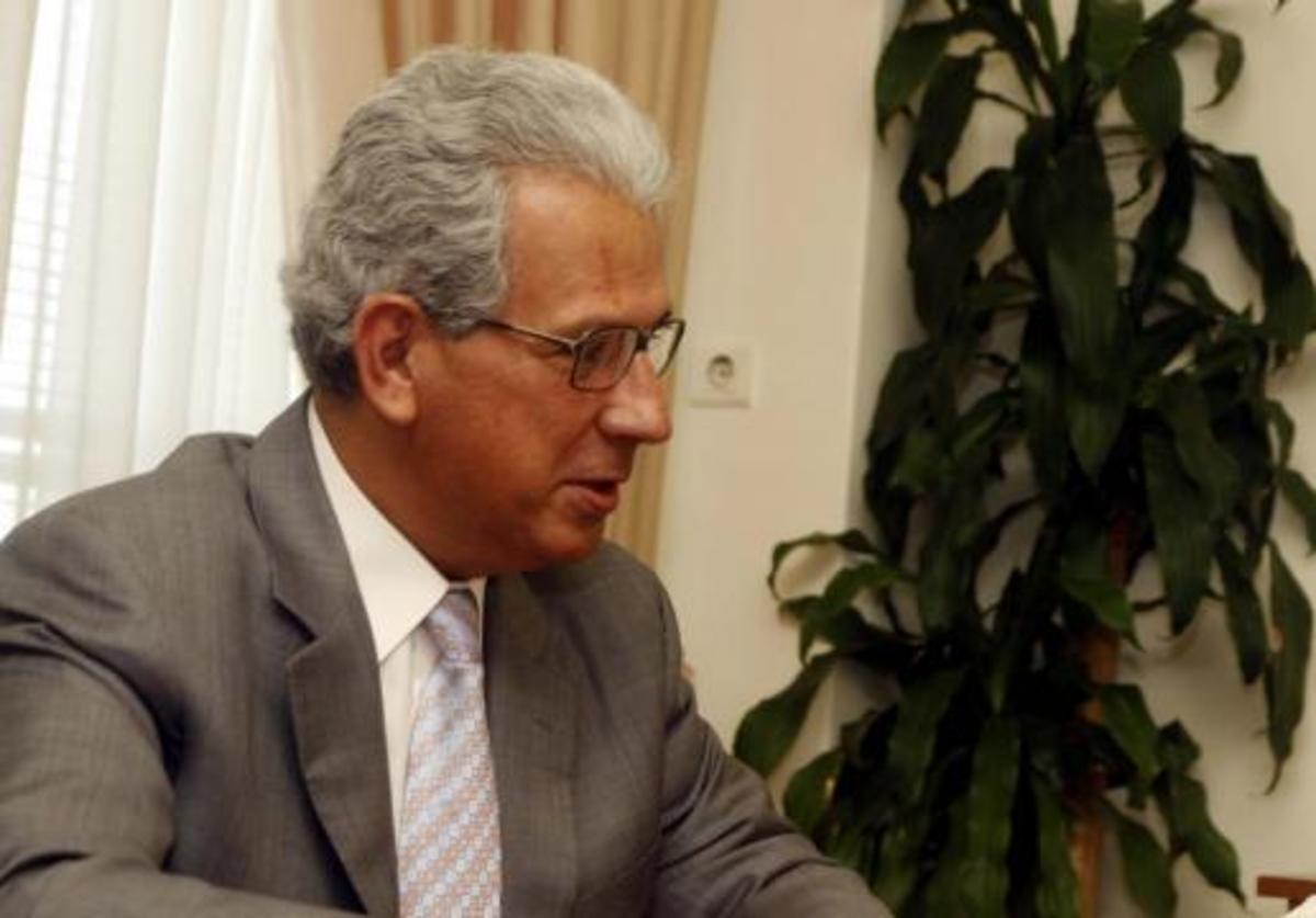 Μέλη του ΣΥΡΙΖΑ κατέλαβαν το γραφείο του Γ. Μέργου | Newsit.gr