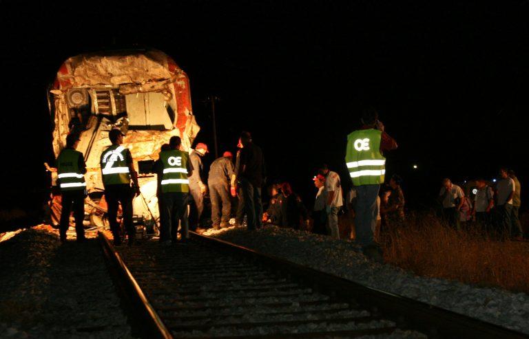 Ημαθία: Αμαξοστοιχία παρέσυρε αυτοκίνητο – Σώθηκε από θαύμα η γυναίκα οδηγός! | Newsit.gr