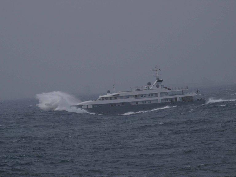 Πρέβεζα: Πλοίο με λαθρομετανάστες έπεσε σε θαλασσοταραχή και ο κυβερνήτης του το εγκατέλειψε! | Newsit.gr