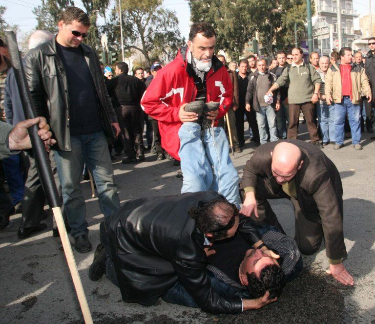 Ηράκλειο: Άγριο ξύλο μεταξύ αγροτών-Οι γροθιές ξεκίνησαν με μία ερώτηση! | Newsit.gr