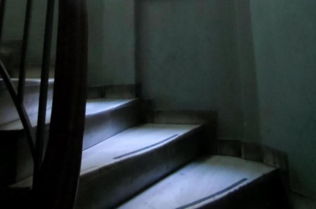 Εύβοια: Σκοτώθηκε στις σκάλες του σπιτιού του – Μοιραία πτώση στην Αυλίδα! | Newsit.gr